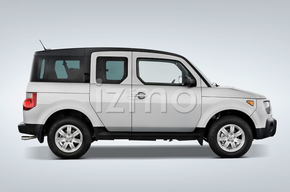Passenger side profile view of a 2008 Honda Element EX SUV
