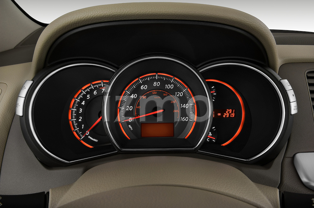 Instrument panel close up detail view of a 2009 Nissan Murano