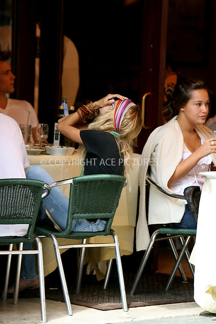 WWW.ACEPIXS.COM ** ** ** ....August 31, 2006, New York City. ....Nicole Richie and new boyfriend Brody Jenner are having lunch at Cipriani Downtown.....Please byline: Philip Vaughan -- ACEPIXS.COM.. *** ***  ..Ace Pictures, Inc:  ..Philip Vaughan (212) 243-8787 or (646) 769 0430..e-mail: info@acepixs.com..web: http://www.acepixs.com