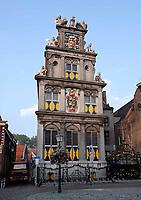 Nederland - Hoorn- 2020. Westfries Museum ofwel Statencollege aan de Roode Steen.Het gebouw waar het museum in gevestigd is, was aanvankelijk het Statencollege - de vergaderplaats van de Gecommitteerde Raden van West-Friesland en het Noorderkwartier. Dit pand is in 1632 gebouwd en heeft een gevel in de stijl van de Nederlandse renaissance. Tijdens de Franse tijd werd het gebouw in 1795 een rechtbank. Op 10 januari 1880 werd het museum aan de achterkant van het gebouw gevestigd.Tot 1932 deelden kantongerecht en museum het gebouw. Het gebouw is een rijksmonument.   Foto ANP / HH / Berlinda van Dam
