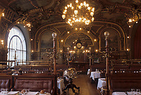 "Europe/France/Ile-de-France/Paris : ""BELLE-EPOQUE"" - Restaurant ""Le Train Bleu"" Gare de Lyon<br /> PHOTO D'ARCHIVES // ARCHIVAL IMAGES<br /> FRANCE 1990 // Europe / France / Ile-de-France / Paris: ""BELLE-EPOQUE"" - Restaurant ""Le Train Bleu"" Gare de Lyon<br /> ARCHIVAL PHOTO // ARCHIVAL IMAGES<br /> FRANCE 1990"