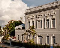 Viejo San Juan Vespertino 21 abril 2021 #oldsanjuan #magichour #goldenhour #streets #streetphotography #viejosanjuan #oldsanjuan #puertorico #documentaryphotography