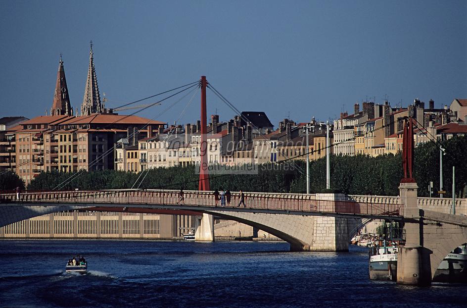 Europe/France/Rhône-Alpes/69/Rhône/Lyon: Les quais de Saône et la passerelle Saint-Georges