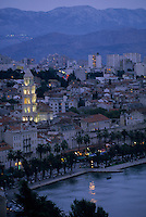 Europe/Croatie/Dalmatie/Split: Le port , la cathédrale  et la palais de Doclétien