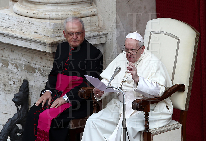 Pope Francis (R), flanked by Monsignor Leonardo Sapienza, speaks during the first limited public audience at the San Damaso courtyard in The Vatican on September 2, 2020 during the COVID-19 infection, caused by the novel coronavirus.<br /> UPDATE IMAGES PRESS/Isabella Bonotto<br /> <br /> STRICTLY ONLY FOR EDITORIAL USE