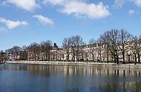 Nederland Den Haag -  maart 2021.  Lange Vijverberg. De Hofvijver.    Foto ANP / Hollandse Hoogte / Berlinda van Dam
