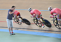 CALI - COLOMBIA - 14-01-2015: Miembros del equipo de Rus Velo, reciben instrucciones durante entrenamiento en el Velodromo Alcides Nieto Patiño, sede de la III Copa Mundo UCI de Pista de Cali 2014-2015  / Members of Team Rus Velo, receive instructions during a training at the Alcides Nieto Patiño Velodrome, home of the III Cali Track World Cup 2014-2015 UCI. Photos: VizzorImage / Luis Ramirez / Staff.