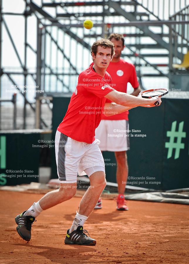 - NAPOLI 2 APR  2014 -  Coppa Davis  Italia-Gran Bretagna <br /> allenamenti. nella foto Andy Murray