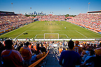 Robertson Stadium on the University of Houston campus serves as the home field of the Houston Dynamo. Houston Dynamo tied Los Angeles Galaxy 0-0 at Robertson Stadium in Houston, TX on October 18, 2009.