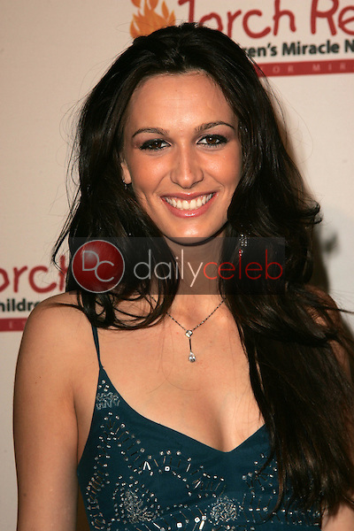 Angel Carter<br /> at the Children's Miracle Network Torch Relay Celebration, Renaissance Hotel, Hollywood, CA 11-19-06<br /> <br /> David Edwards/DailyCeleb.Com 818-249-4998
