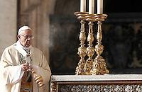 Papa Francesco celebra una messa per la conclusione del Giubileo della Misericordia, in Piazza San Pietro, Citta' del Vaticano, 20 novembre 2016.<br /> Pope Francis celebrates a Mass for the conclusion of the Jubilee of Mercy, in St. Peter's Square at the Vatican, 20 November 2016.<br /> UPDATE IMAGES PRESS/Isabella Bonotto<br /> <br /> STRICTLY ONLY FOR EDITORIAL USE