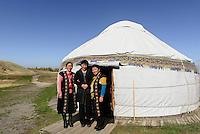 Jurte bei Tokmok, Kirgistan, Asien<br /> yurt near Tokmok, Kirgistan, Asia