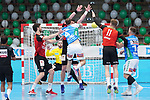 Tim Kneule (FAG) findet die Luecke in der Berliner Mauer beim Spiel in der Handball Bundesliga, Frisch Auf Goeppingen - Fuechse Berlin.<br /> <br /> Foto © PIX-Sportfotos *** Foto ist honorarpflichtig! *** Auf Anfrage in hoeherer Qualitaet/Aufloesung. Belegexemplar erbeten. Veroeffentlichung ausschliesslich fuer journalistisch-publizistische Zwecke. For editorial use only.