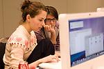 Amy Hamblin and Christine Irvine, Media team at Power Shift '09 (©Robert vanWaarden ALL RIGHTS RESERVED)