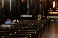 Campinas (SP), 21/02/2021 - Religiao - Movimentação na Catedral de Campinas, interior de São Paulo, nesta quarta-feira (21), feriado de Tiradentes. Cultos e missas voltam a ocorrer com distanciamento e controle de acesso.
