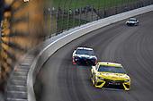 #19: Daniel Suarez, Joe Gibbs Racing, Toyota Camry STANLEY, #88: Alex Bowman, Hendrick Motorsports, Chevrolet Camaro Axalta