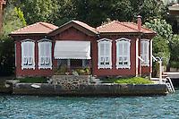 Europe/Turquie/Istanbul :  Yali, Détail résidence traditionnelle en bois  sur la rive orientale du Bosphore