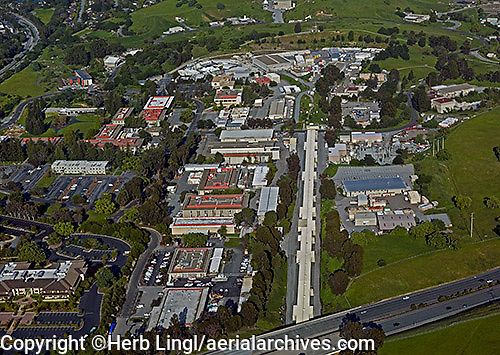 aerial photograph of the Standford Linear Accelerator Center, SLAC National Accelerator Laboratory, Sand Hill Road, Menlo Park, San Mateo county, California