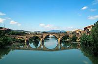 Spanien, Navarra , Puente la Reina, romanische Brücke