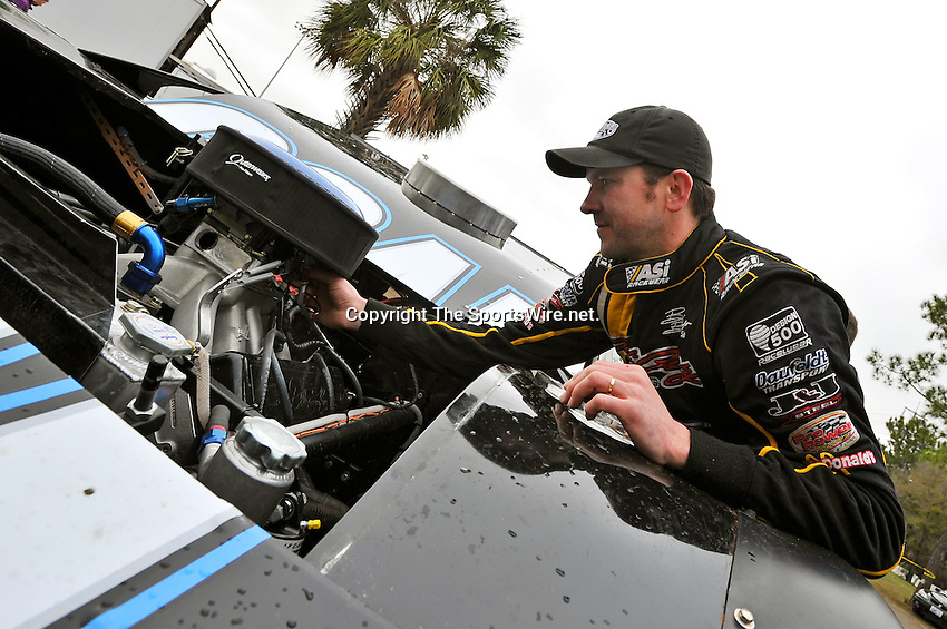Feb 11, 2011; 11:13:20 AM; Gibsonton, FL., USA; The Lucas Oil Dirt Late Model Racing Series running The 35th annual Dart WinterNationals at East Bay Raceway Park.  Mandatory Credit: (thesportswire.net)
