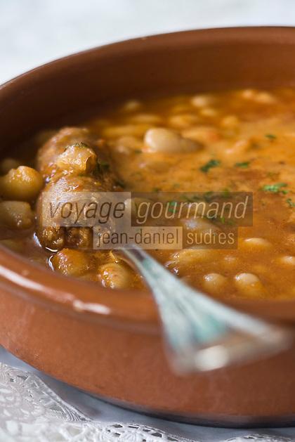 Europe/Espagne/Pays Basque/ Pasajes de San Juan: Restaurant Casa Camara Haricots blancs aux Chipolatas