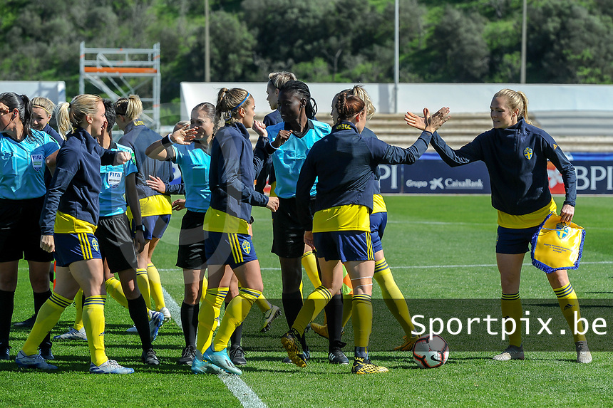 20200307  Lagos , Portugal : the own teammates you can give handsbefore the female football game between the national teams of Sweden and Denmark on the second matchday of the Algarve Cup 2020 , a prestigious friendly womensoccer tournament in Portugal , on saturday 7 th March 2020 in Lagos , Portugal . PHOTO SPORTPIX.BE | STIJN AUDOOREN