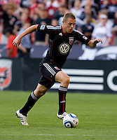 Danny Allsopp (9) of D.C. United carries the ball into the box at RFK Stadium in Washington, DC.  D.C. United defeated the Kansas City Wizards, 2-1.