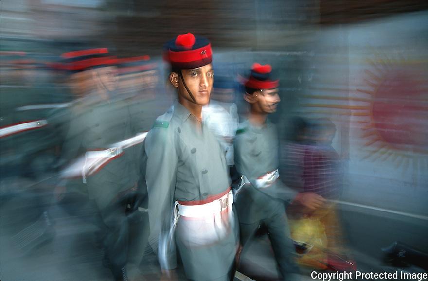 Nepal soldater marsjerer i Kathmandu, Nepal