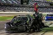 #18: Riley Herbst, Joe Gibbs Racing, Toyota Supra Monster pit stop