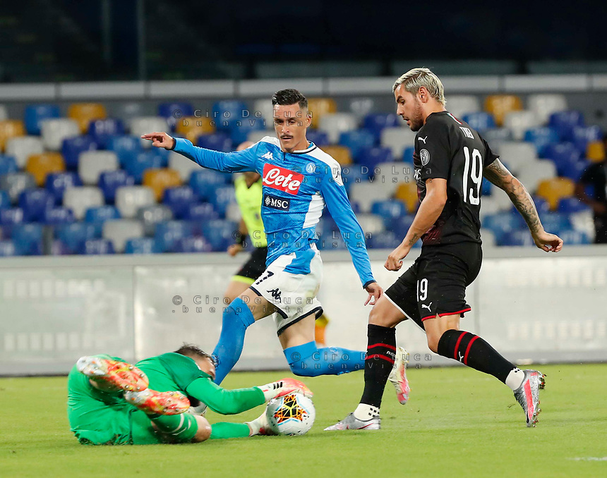 Gianluigi Donnarumma of Milan Jose Callejon of Napoli  during the  italian serie a soccer match,  SSC Napoli - AC Milan       at  the San  Paolo   stadium in Naples  Italy , July 12, 2020