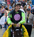 Terry Thompson is the winning jockey for the Black-Eyed Susan Stakes