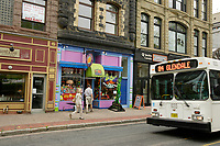 Halifax (NS) CANADA, June 1, 2007 -<br /> <br /> City bus and trendy stores in downtown Halifax.<br /> <br />     photo by Pierre Roussel - Images Distribution
