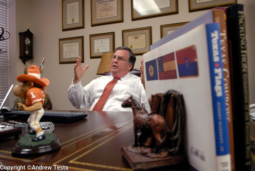USA. Houston. 12 November 2007..Jerry Guerinot in his office in Houston. Mr Guerinot was Linda Carty's defence lawyer during her trial. He only spent one hour with Linda before her trial began. Previously he has represented 21 people who have ended up with the death sentence..©Andrew Testa