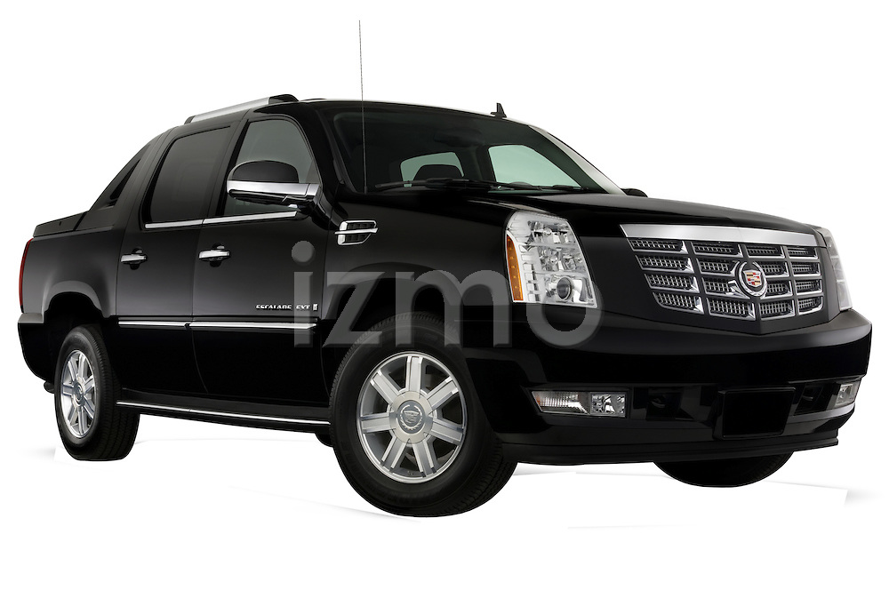 Low aggressive passenger side front three quarter view of a 2007 Cadillac Escalade EXT