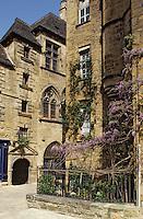 Europe/France/Aquitaine/24/Dordogne/Vallée de la Dordogne/Périgord/Périgord Noir/Sarlat-la-Canéda: L'hôtel de Vassal (XVème) et l'hôtel Plamon