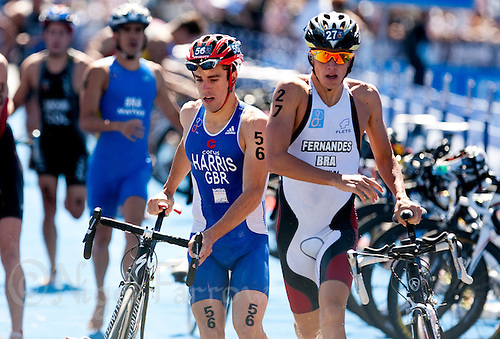 11 SEP 2009 - SOUTHPORT, AUS - Aaron Harris (GBR) leaves transition during the ITU World U23 Mens Triathlon Championships alongside Marcus Fernandes (BRA) (PHOTO (C) NIGEL FARROW)