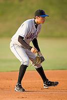 Shortstop Wilmer Flores (4) of the Kingsport Mets on defense at Howard Johnson Field in Johnson City, TN, Thursday July 3, 2008.