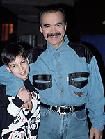 Patrick Zabbe and his son, February 1990<br /> <br /> <br /> <br /> <br /> PHOTO :  Agence Quebec Presse