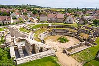 France, Cher, Drevant, ancient site of Drevant, Gallo-Roman theatre (aerial view) // France, Cher (18), Drevant, site antique de Drevant, théâtre gallo-romain (vue aérienne)