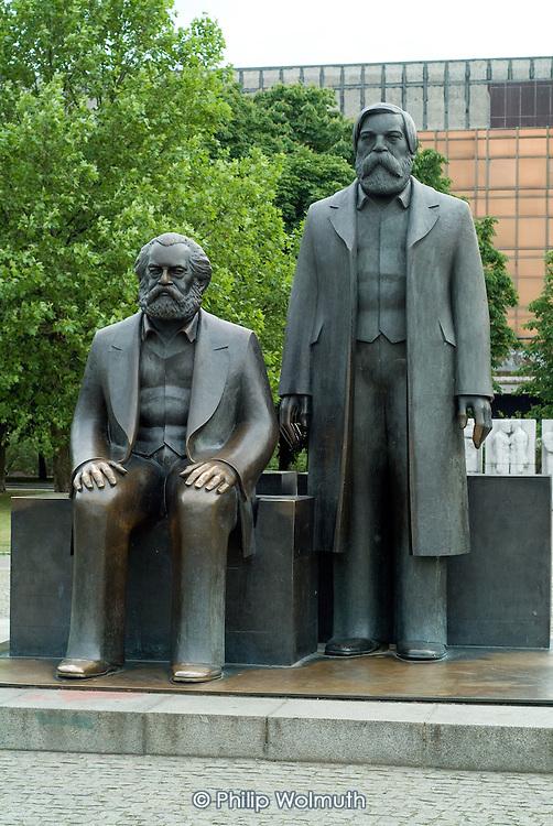Statues of Karl Marx and Friedrich Engels in Berlins Marx-Engels Platz