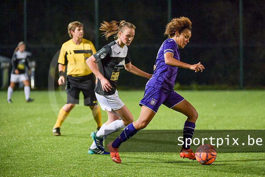 Anderlecht midfielder Kassandra Missipo (12) pictured during a female soccer game between RSC Anderlecht Dames and Eendracht Aalst Ladies  on the fourth matchday of the 2020 - 2021 season of Belgian Womens Super League , Tuesday 13 th of October 2020  in ANDERLECHT , Belgium . PHOTO SPORTPIX.BE | SPP | STIJN AUDOOREN