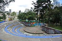 BOGOTÁ -COLOMBIA. Aspecto de la media torta del parque de La Independencia en el  centro de la ciudad de Bogotá, Colombia./ Aspect of the middle cake in the La Independencia Park in downtown Bogota, Colombia. Photo: VizzorImage/ Str