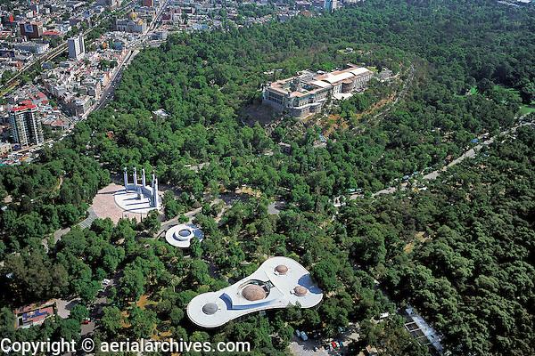 aerial photograph of Chapultepec park and castle, Mexico City | fotografía aérea del parque y castillo de Chapultepec, Ciudad de México