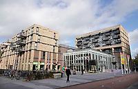 Nederland  Amsterdam-  2020.   Amsterdam Noord. Winkelcentrum Banne.  Foto : ANP/ HH / Berlinda van Dam