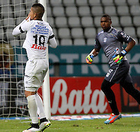 MANIZALES - COLOMBIA, 16-08-2015: Cesar Arias de Once Caldas celebra un gol anotado a Jaguares FC durante partido por la fecha 6 de la Liga Águila II 2015 jugado en el estadio Palogrande de la ciudad de Manizales./ Cesar Arias player of Once Caldas celebratea a goal scored to Jaguares FC during match valid for the 6th date of the Aguila League II 2015 played at Palogrande stadium in Manizales city. Photo: VizzorImage / Santiago Osorio /