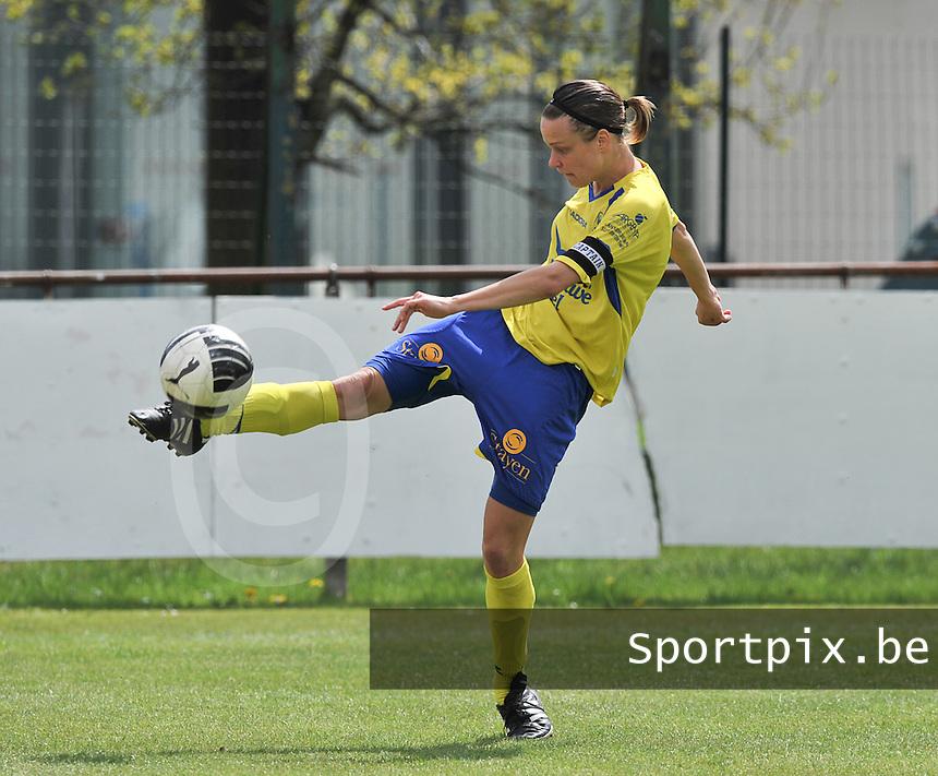 Club Brugge Dames - STVV Sint Truidense VV : Lore Vanschoenwinkel.foto DAVID CATRY / Nikonpro.be