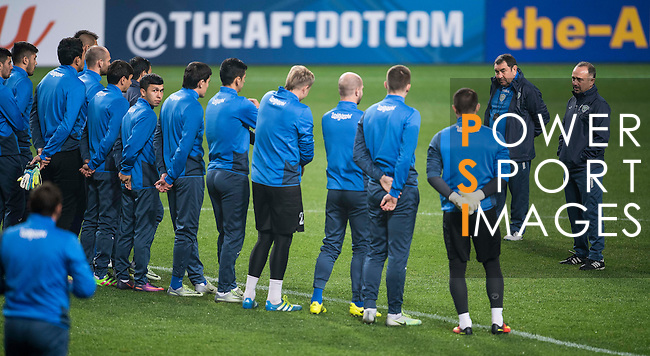 Uzbekistan players warm up prior to their 2018 FIFA World Cup Russia Asian Qualifiers Final Qualification Round Group A match against Korea Republic at the Seoul World Cup Stadium on 14 November 2016 in Seoul, South Korea. Photo by Victor Fraile / Power Sport Images