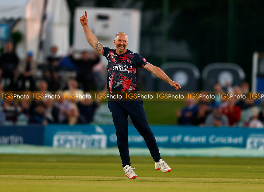 Darren Stevens of Kent celebrates taking the wicket of D'Arcy Short during Kent Spitfires vs Hampshire Hawks, Vitality Blast T20 Cricket at The Spitfire Ground on 9th June 2021