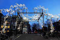 Nederland Amsterdam - december 2018. Amsterdam Light Festival. Spider on the Bridge.  Foto Berlinda van Dam / Hollandse Hoogte
