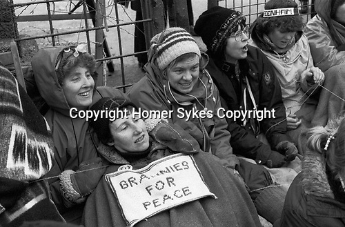 Greenham Common Womens Peace Camp. Grannies for Peace, older women sit down protest 1985, 1980s UK